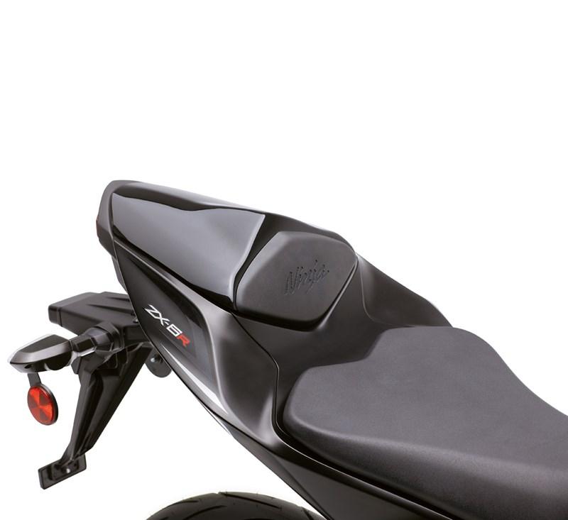 Seat Cowl, Ebony/H8 detail photo 2