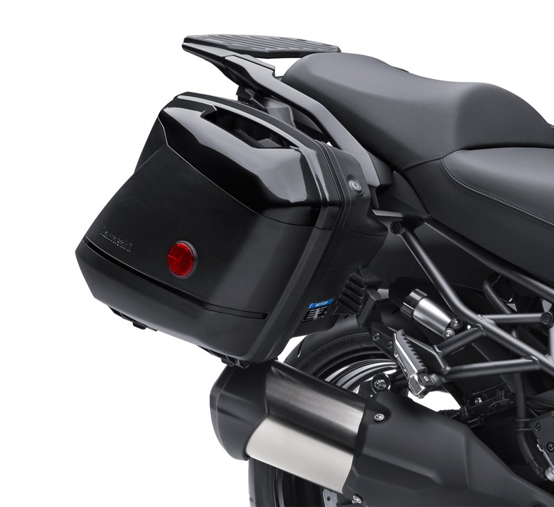 KQR™ 28 Liter Hard Saddlebag Set, Color Panel Set, Metallic Spark Black/660 detail photo 3