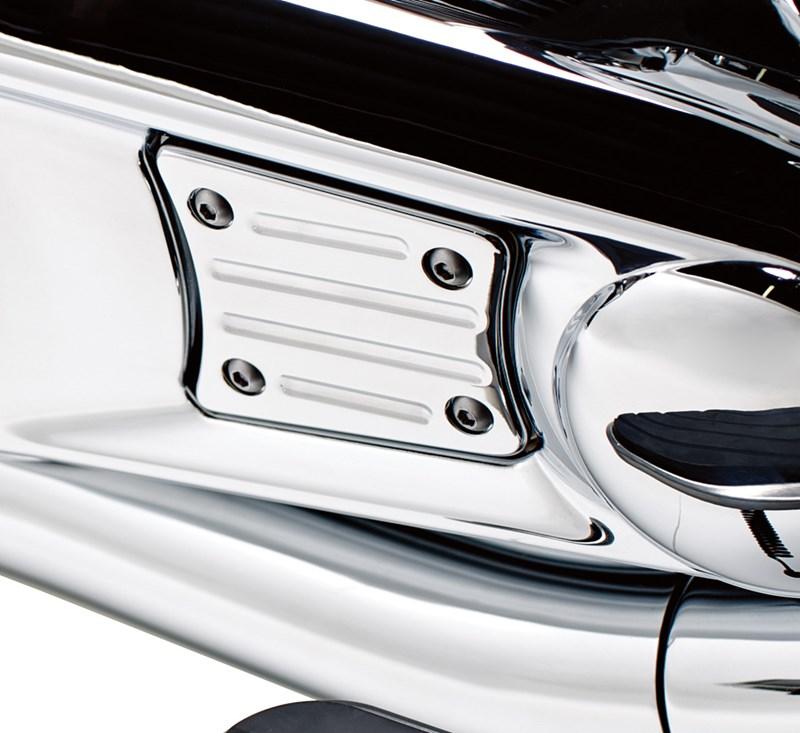 Engine Cover Trim, Chrome detail photo 1